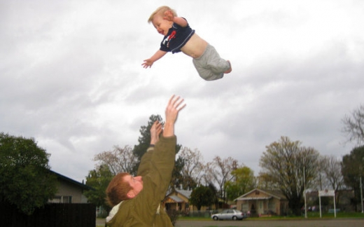 people_tossing_babies_640_55.jpg