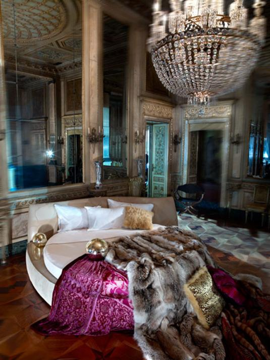 roberto-cavalli-home-collection-bed.jpg