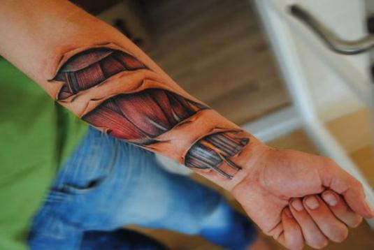 scary-realistic-tattoos-03.jpg