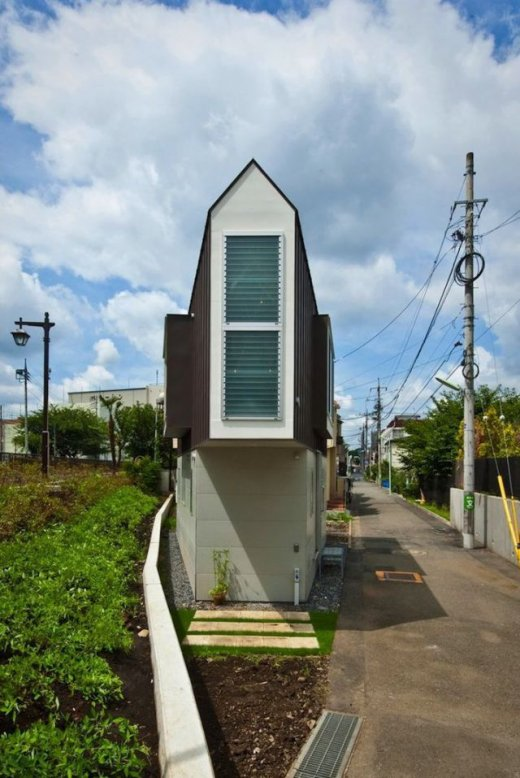 the_narrowest_house_in_the_world_640_high_02.jpg