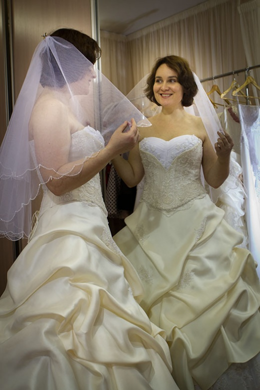 ulya_behappy_gown_1_3.jpg