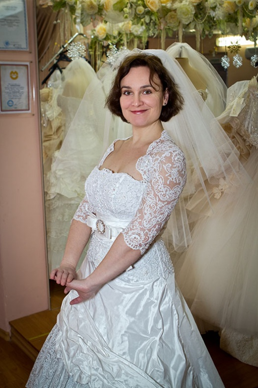 ulya_behappy_gown_2_3.jpg