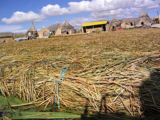 unique_lake_titicaca_floating_islands_640_02.jpg