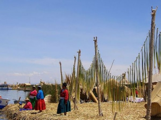 unique_lake_titicaca_floating_islands_640_04.jpg