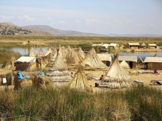 unique_lake_titicaca_floating_islands_640_10.jpg