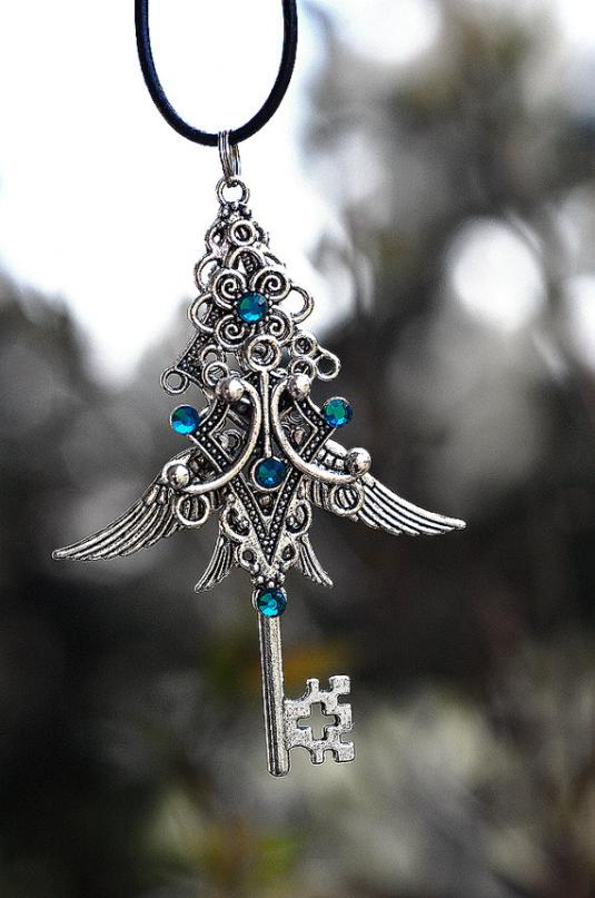 celtic_blue_key_by_keyperscove-d51as9m.jpg