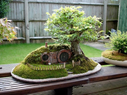 mini_hobbit_house.jpg